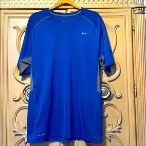 Nike dry fit men's active shirt guc large